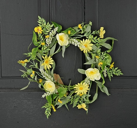 27082 - 14in(6.5) Wreath-Yellow Daisy and Ranunculus-6/48pcs